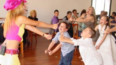 Canción y baile infantil: la bomba con pasos