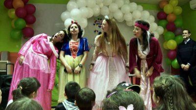 Animadores y payasos para fiestas de carnaval a domicilio en Madrid